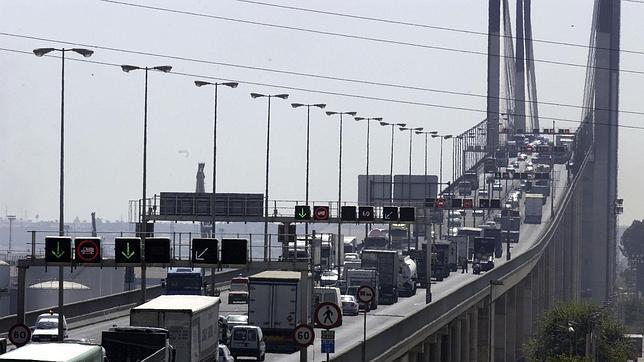 puente-centenario-trafico--644x362